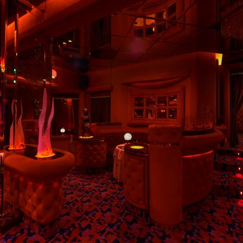 shilling night club milan exclusive