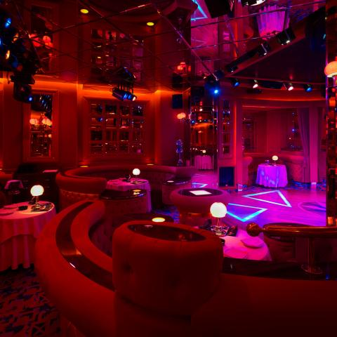 shilling night club milan show