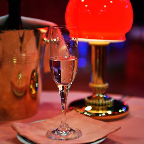 shilling night club milano elegance drink